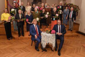 """Gabrielės Petkevičaitės- Bitės atminimo medalis """"Tarnaukite Lietuvai"""" – LUMA prezidentei Daliai Poškienei"""