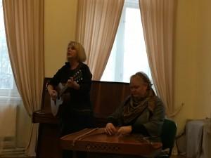 Koncertuoja Jūratė Dailydėnienė ir Daiva Mažeikaitė