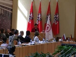 Pranešimą skaito PLB Kultūros komiteto pirmininkė, LUMA Garbės narė Jūratė Caspersen  04 15 LR Seimo Konstitucijos salė